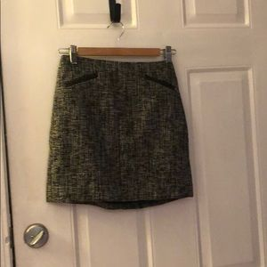 Cute black and white twill skirt
